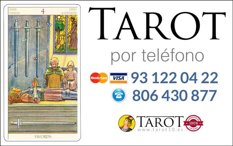 Cuatro de Espadas de los Arcanos Menores del Tarot - Tarot por Teléfono